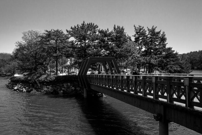 Hexagon Bridge Island
