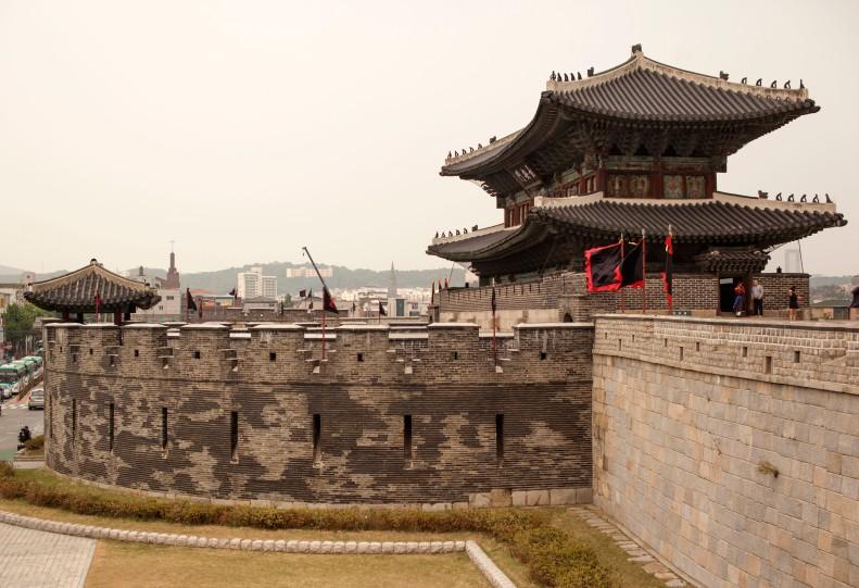 Hwaseong Gate s